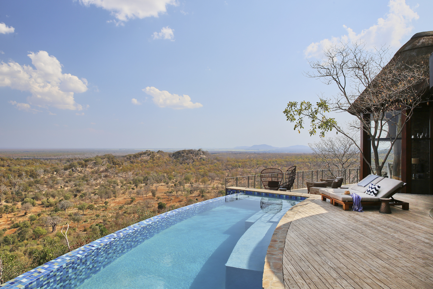 Singita-Malilangwe-House-Deck-and-pool-with-a-view Kopie